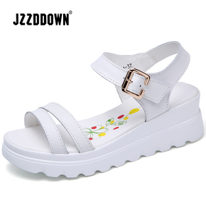 Image 5 - Echt Leer Vrouwen Platform Strand sandalen schoenen dames Flats Sneakers Sliver Wit Flip Flop schoen zomer Mid Hak schoeisel