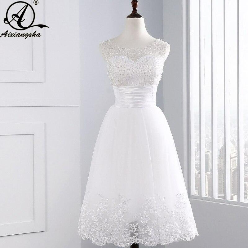9b80e8bee Sexy Vestido Da Menina de Vestido De Noiva 2018 Hot Sale Da Moda Nova  Chegada de UMA Linha de Rendas de Pérolas Curto Vestidos de Casamento
