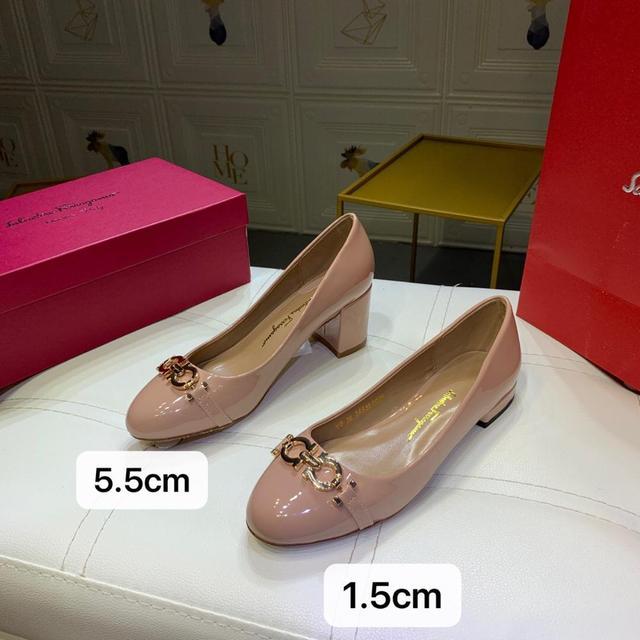 Фото женские туфли лодочки mary jane на низком каблуке шпильке из цена