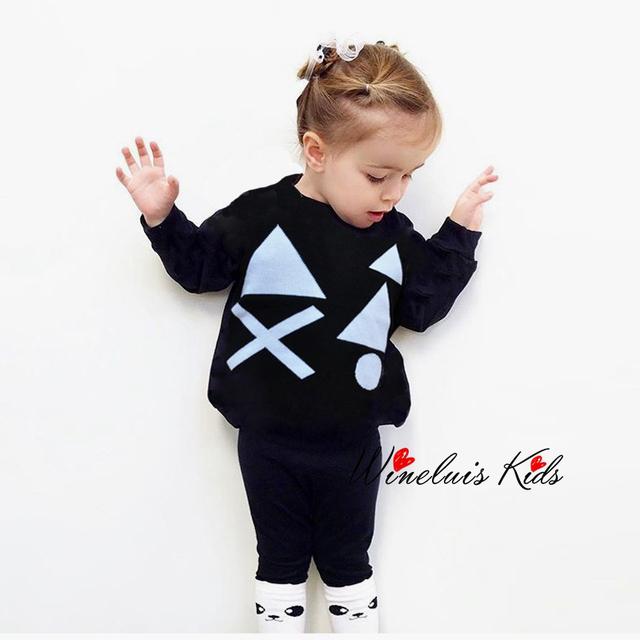 2016 Nuevos Niños Suéter de Punto Marca Triángulo Patrón Para Niños Niñas Bebé Otoño Geometría Suéteres Ropa de Otoño Invierno Suéter