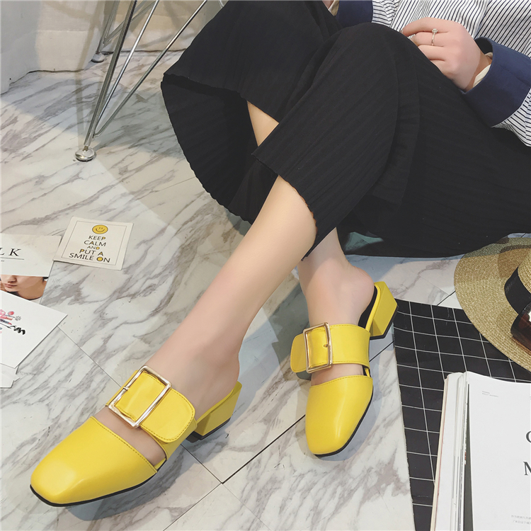 2017 Buckle Leather Sandals Med Heel Closed Toe Square Toe Slippers Women Summer Pumps Shoes Outdoor Slides xiaying smile woman sandals summer square cover heel closed toe woman pumps buckle strap fashion casual hollow flock women shoes