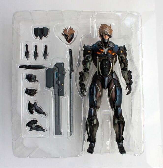 все цены на Square Enix Metal Gear Rising Revengeance Metal Gear Solid Rising Play Arts Kai Avengers PVC 17cm Raiden Figures онлайн