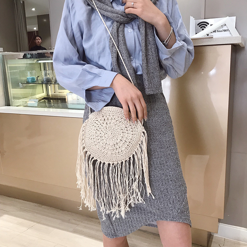 Vintage Fashion Round Hand woven Woman Shoulder Bag Summer Travel Shopping Straw Beach Bags Tassels Female Small Messenger Bag in Shoulder Bags from Luggage Bags