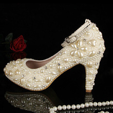 Closed toe ivory pearl diamonds with belt low heels wedding shoes Bridal Dress Shoes with Ankle Strap Shoes for Wedding Ceremony