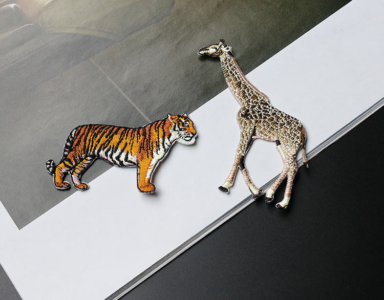 high quality colorful tiger giraffe embroidery patches for clothes parches bordados sewing on embroidery patches for