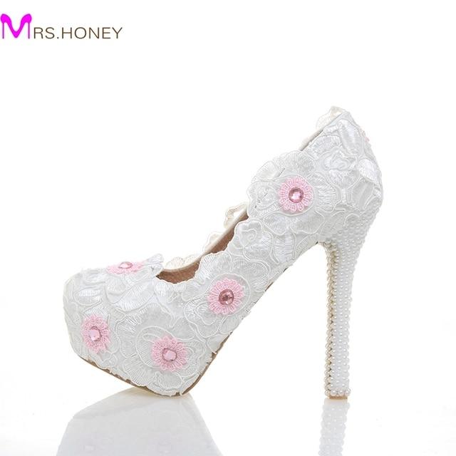 Nouveau Designer Dentelle Chaussures avec Imitation Perle Talon Blanc  Couleur Demoiselle D'honneur Chaussures De