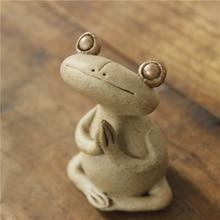 Coarse ceramics Frog Tea pet figurines Animal Sculpture of Golden Toad Mini Arts and Crafts fairy garden miniatures home decor lobel a frog and toad квак и жаб 3 4 классы