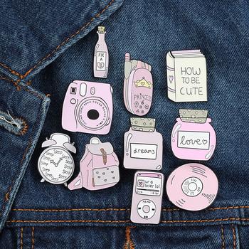 Śliczne plecak na aparat fotograficzny CD książki plakietka emaliowana broszka różowy serii sukienka przypinka do klapy dziewczyna plecak biżuteria prezent dla dzieci tanie i dobre opinie ZICOLY Ze stopu cynku BROSZKI Śliczne Romantyczne BH064-BH073 moda Kobiety Codzienne dostawy Metal Pink blue yellow Zhejiang China (Mainland)