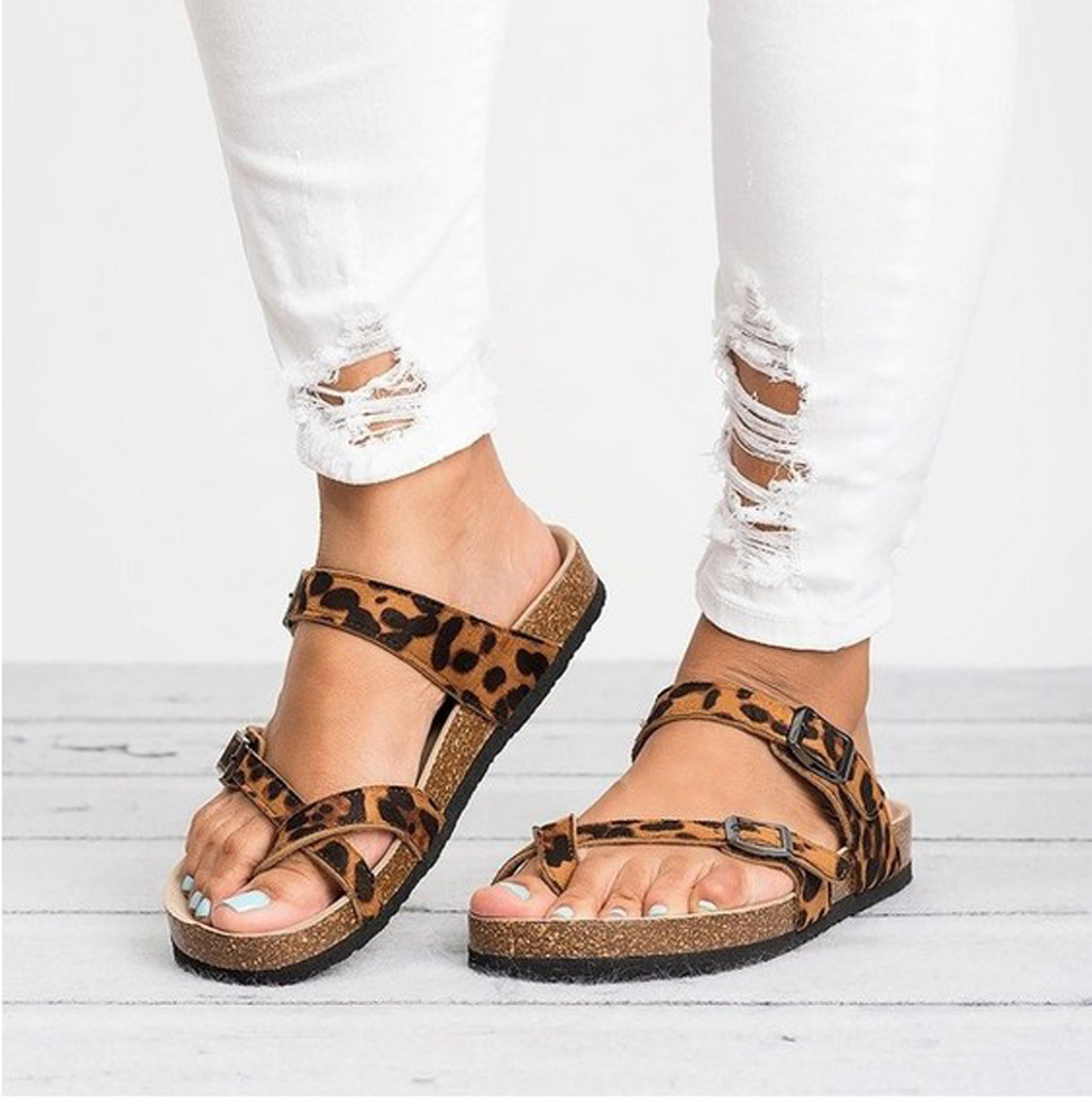 b98c117882c47 US $10.42 46% OFF|2019 Slipper Retro Women's Leopard Print Flats Sandals  Beach Shoes Thick Soled Cork Wooden Slippers Multi Size 36 40 Drop #0319-in  ...