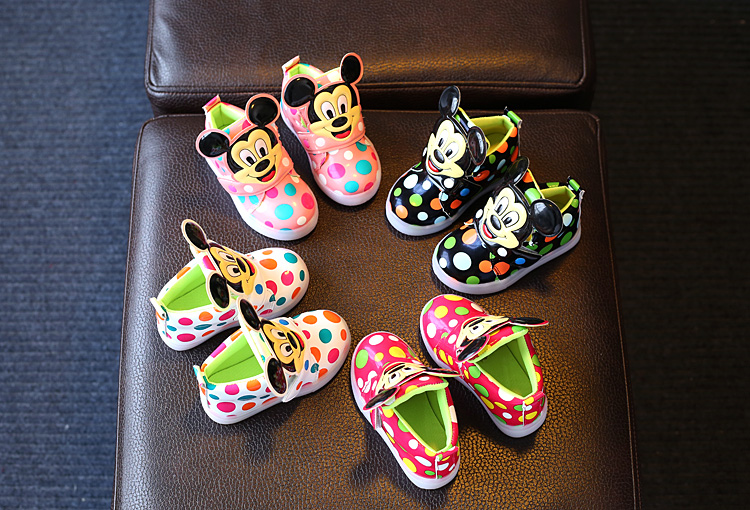 Kids-Shoes-With-Light-Boys-Led-Sneakers-New-Spring-Autumn-Dots-Lighted-Fashion-Girls-Mickey-Shoes-Children-Shoes-Size-21-30-5