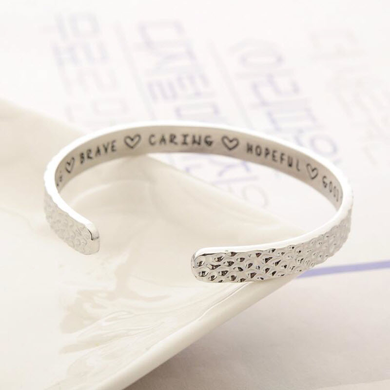 I AM STRONG BRAVE CARING HOPEFUL GOOD ME BEAUTIFUL Fashion Round Shaped Engraving Cuff Bracelets Bangles For Women Jewelry Gift