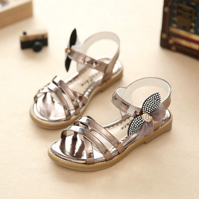 Girls princess sandals 2019 new summer rhinestones childrens casual shoes childrens party shoes soft sole size 27 ~ 37Girls princess sandals 2019 new summer rhinestones childrens casual shoes childrens party shoes soft sole size 27 ~ 37