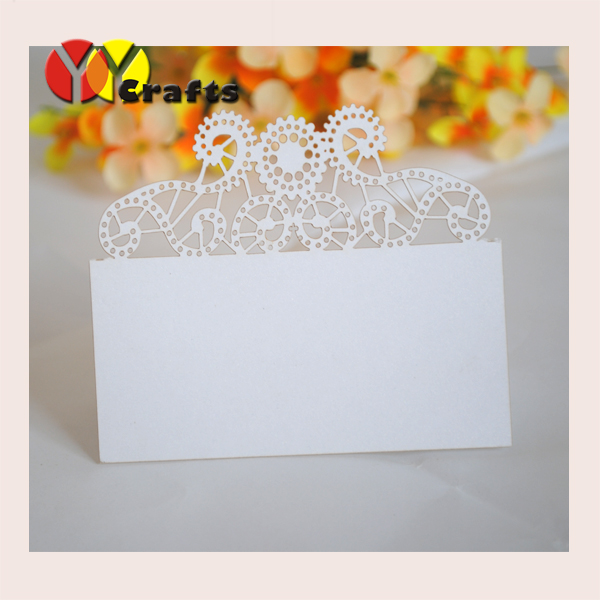 Laser cutting newest floral lace design white color free name logo place card seat card for party favor with small pearls