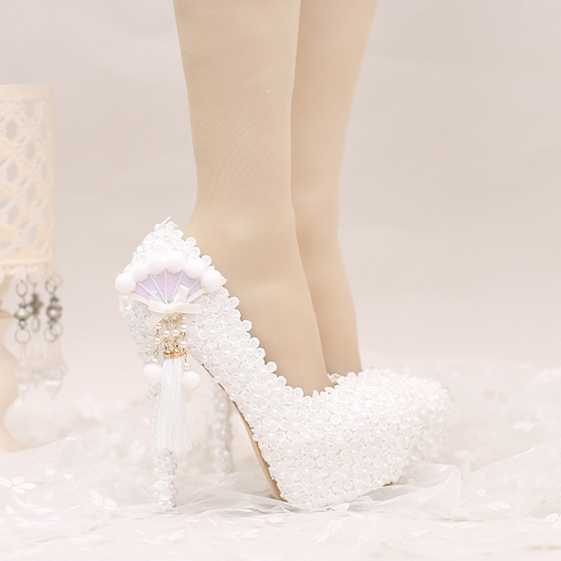 ФОТО 2017 White Lace Wedding Shoes Platforms Beautiful Women Pumps with Appliques Tassel Gorgeous Design Bridal Party Prom Shoes