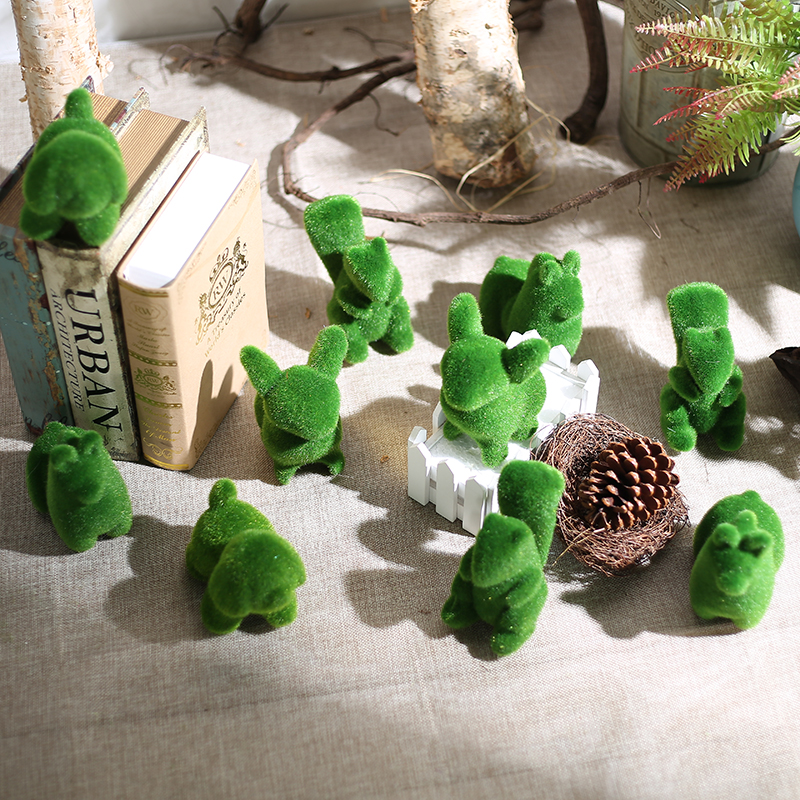 Luyue 4pcs/lot Artificial Grass Turf Small Cute Simulation Fake Animals Toy Flower Decorations land Christmas Decor