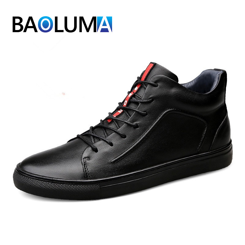 2019Spring Summer High quality all Black Men's leather casual shoes Fashion Breathable Sneakers fashion flats size36 48