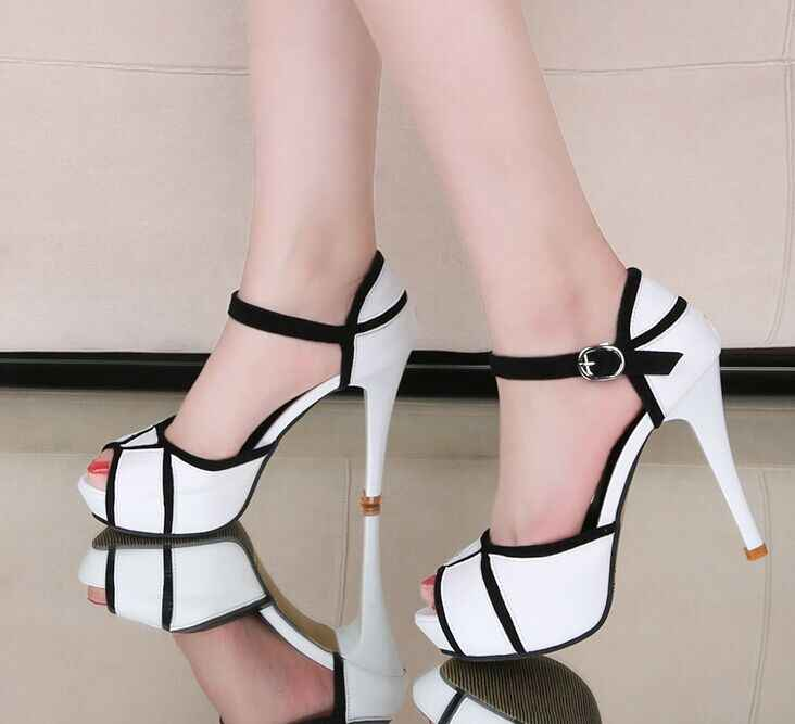 Verão quente oco fivela sapatos femininos europeu e americano luta cor boca de peixe bem com saltos altos jovens sapatos diários 41