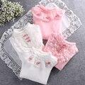 2016 párrafo invierno camisa de imprimación engrosamiento grandes niñas vírgenes tres flores de encaje T-shirt de Corea niños ropa para niños