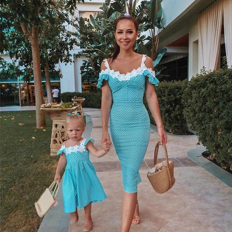 Elegant Women Dress Sexy Sling Spaghetti Strap Short Sleeve Bodycon Dress Patchwork Design Lace Decor Strapless Slim Dress