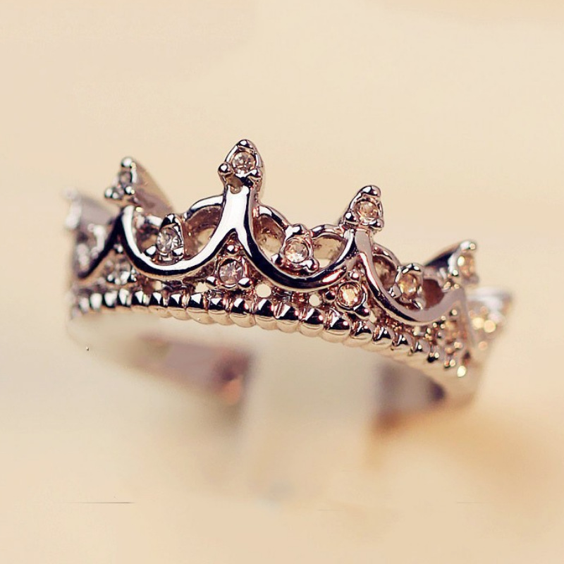 New Silver Ring Ladies Personality Design Crystal Crown Ring Jewelry 2019 New Party Gifts Korean Wedding Rings For Women