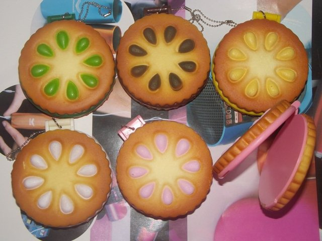 cookie mirror squshy  phone pendant, it is soft ,you can pinch it .