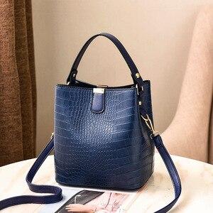 Image 5 - Large Capacity Bucket Bags Women Crocodile Pattern Handbag High Quality PU Leather Shoulder Messenger Bags Ladies Casual Totes
