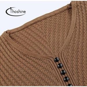 Image 4 - Thoshineブランド春の秋のスタイル男性ニットツイルセーター薄型vネックボタン男性カジュアル無地オムジャンパー