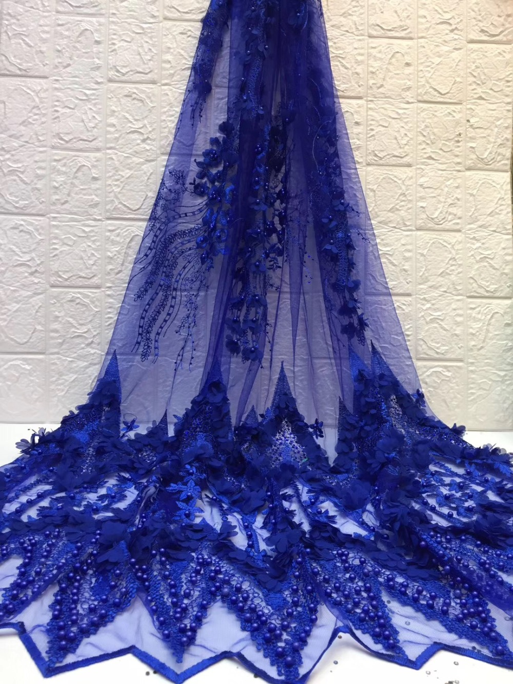 African Lace Fabric 2019 High Quality Embroidered Tulle Fabric Flowers Lace Nigerian Lace Fabrics For WeddingAfrican Lace Fabric 2019 High Quality Embroidered Tulle Fabric Flowers Lace Nigerian Lace Fabrics For Wedding