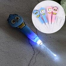 Светодиодный светильник на ушной раковине Палочки для малышей и детей постарше копать флэш-светильник для чистки ушей со Палочки уха Палочки чистая ухо