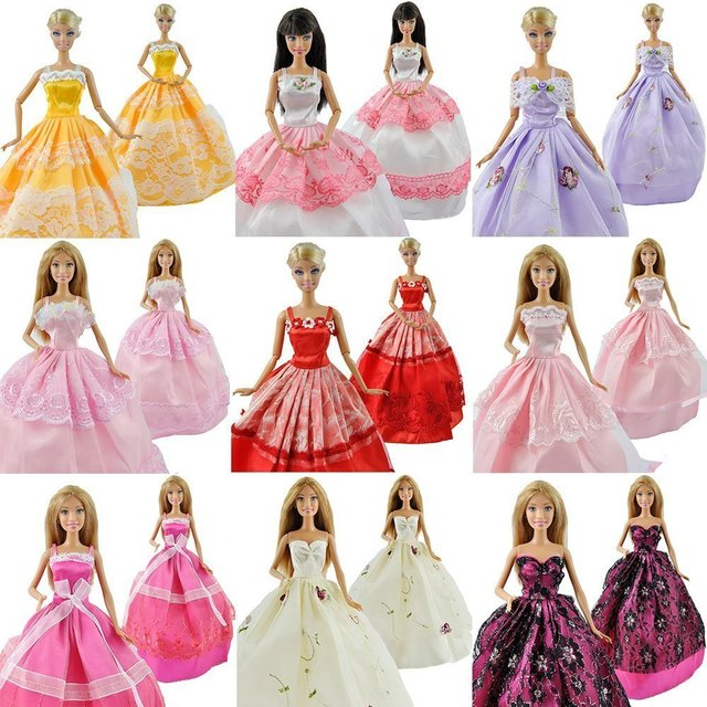 20 Items Contain 5pcs Dress 5 Pairs Shoes 10pcs Plastic Hangers  Gown with Tons of Ruffles Party Clothes Dress for Barbie Doll