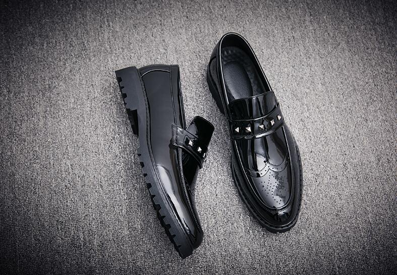 Shoes Men Pointed Toes Genuine Leather Dress Smart Casual Shoes Flats Slip-On Carved Brogue Rivets Classical Height IncreasingShoes Men Pointed Toes Genuine Leather Dress Smart Casual Shoes Flats Slip-On Carved Brogue Rivets Classical Height Increasing