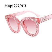 HAPIGOO 2018 Nouvelle De Luxe Dames de Concepteur de Marque Cat Eye lunettes  de Soleil Femmes Diamant Cadre Lunettes Miroir Lune. a5e48826a41d