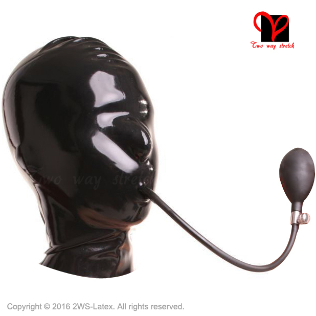 Cool deep throat in mask