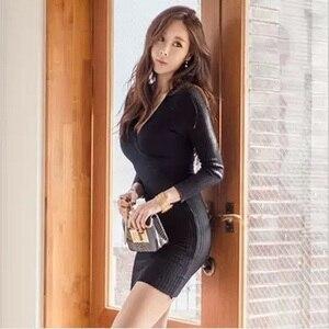 Image 2 - 스웨터 드레스 긴 소매 붕대 bodycon 드레스 v 목 블랙 화이트 니트 드레스 가을 겨울 부드러운 높은 탄성 섹시한 드레스