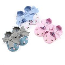 Модная индивидуальная детская комфортная обувь с вышитыми цветами для маленьких девочек; модная обувь для малышей; F5