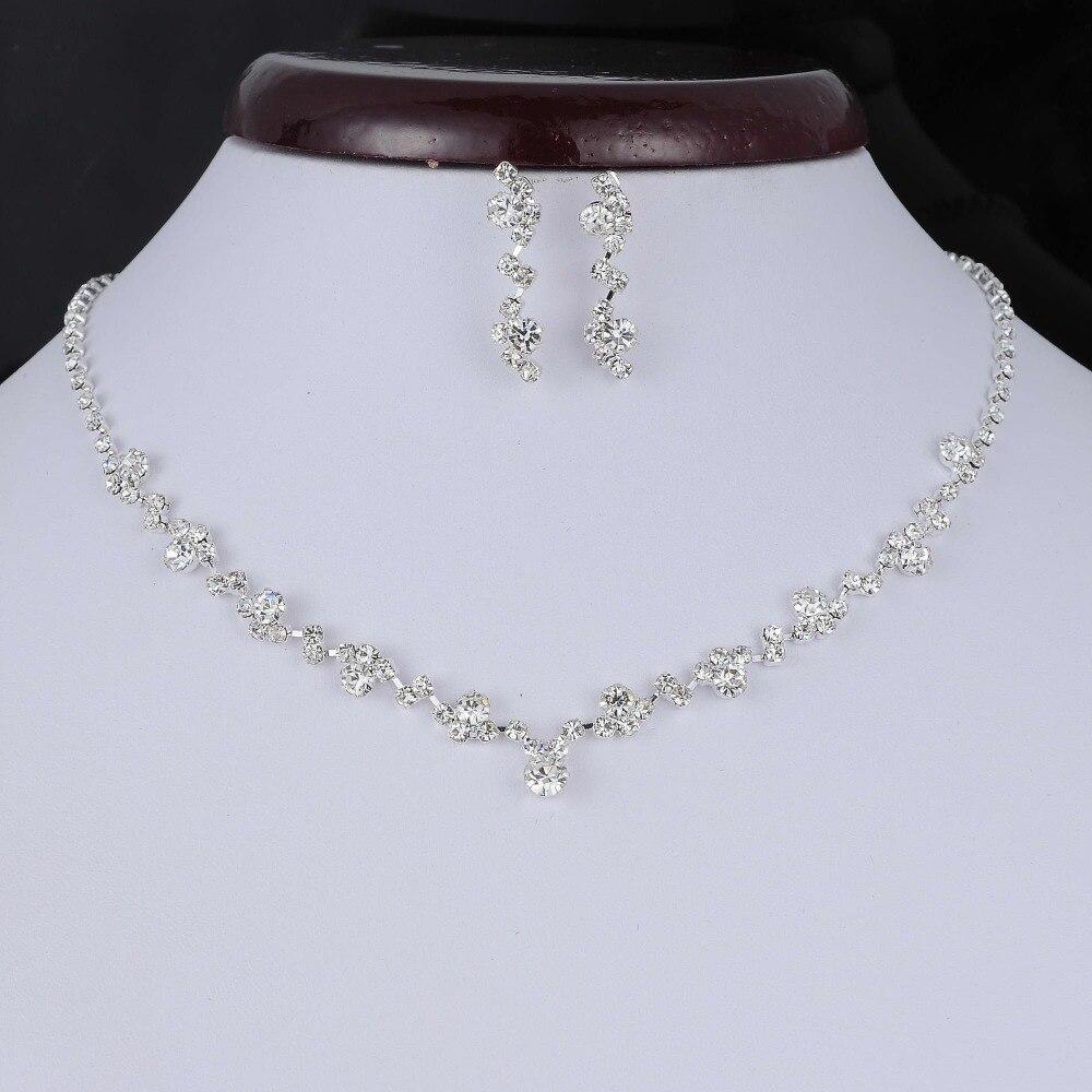 459843db0851 De moda de tono de plata de cristal directo gargantilla collar pendientes  precio de fábrica de la Boda nupcial de dama de honor joyería Africana  conjuntos