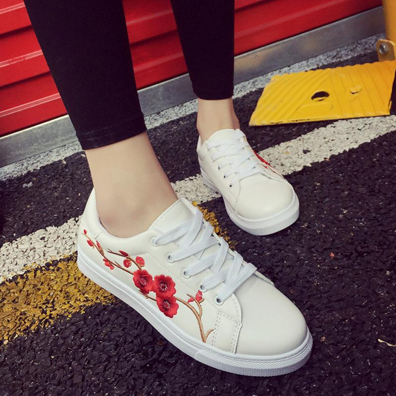 Spring Autmn Floral Embroidery White Sneakers Women Ladies Flat Shoes PU Leather Flats Lace Up Sports Shoes Zapatos Mujer vtota women genuine leather oxfords sneakers women white flat shoes spring platform shoes zapatos mujer lace up casual flats f93