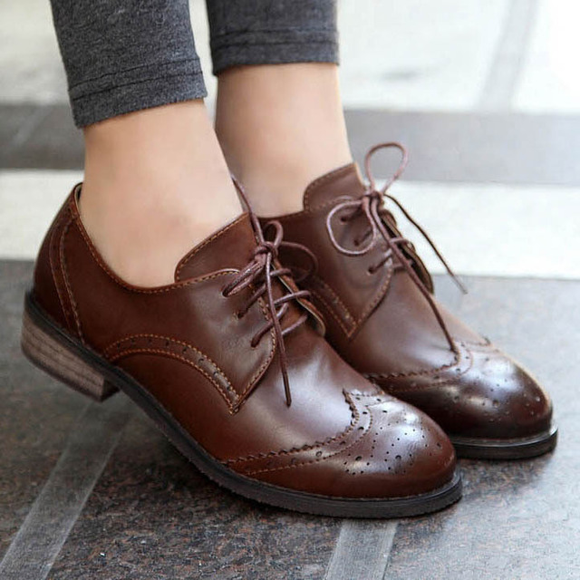526fbe63d0 New 2016 Vintage Pu Leather Oxford Shoes For Women Fashion Carve Brogue Lace  Up Women Oxfords Ladies Casual Flat School Shoes