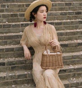 Image 2 - Fransız Vintage viktorya dönemi tarzı elbise Zarif Yarım Kollu Düğme V Yaka Uzun Yaz Bayan Elbise Parti Vestidos De Festa