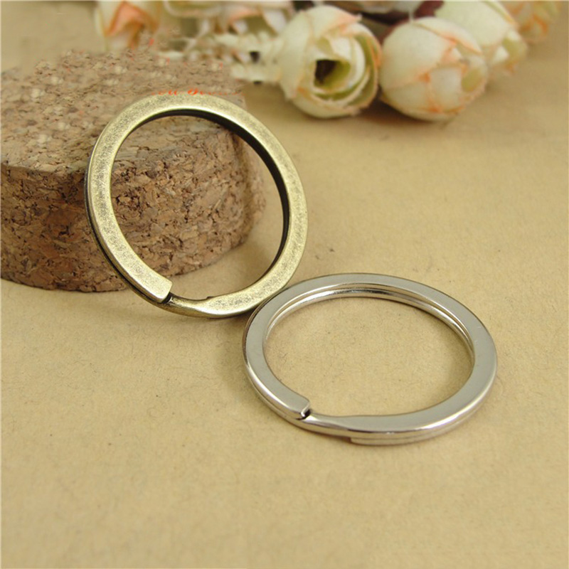 20pcs/lot 25mm 28mm 30mm Antique Bronze Rhodium Keychains Keyring Fit DIY Keychain Ring Circles Accessories Jewelry Making