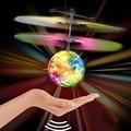 2016 Новый Управления Самолета Мини Вертолет, Летающий Мяч Красочный СВЕТОДИОДНОЙ Вспышкой Датчик Зондирования Летающие НЛО Дистанционного Управления Игрушки Для Детей