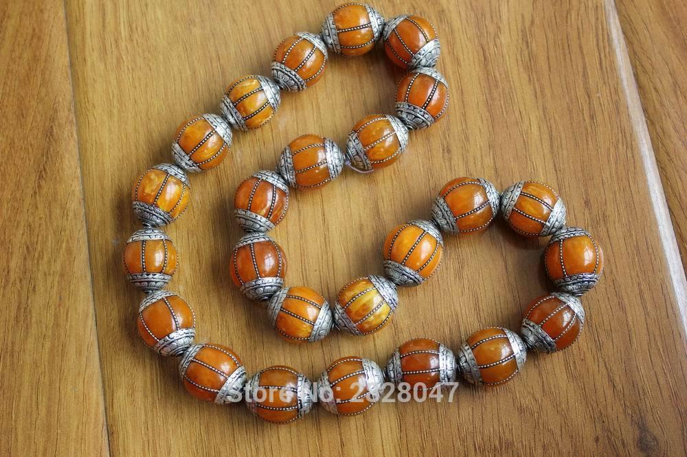 BD046 Handmade Tibetan Silver Resin Beeswax Loose Beads Nepal 18mm Round Diy Beads Wholesale Tibet Nepal Beads 4 PCS Lot