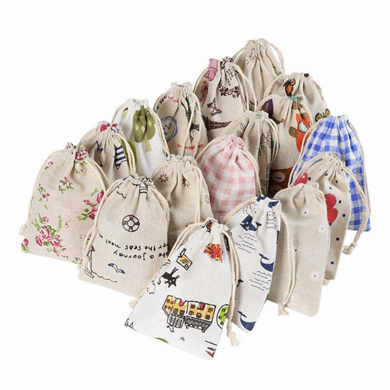 50pcs/lot Cartoon printing multicolor Vintage Natural Burlap Gift Candy Bags Wedding Party Favor Pouch Jute Gift Bags Supply overcoat