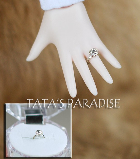 1/3 SD17  uncle BJD SD DD Doll accessories fake diamond  ring photography tool 1 8 1 6 1 4 1 3 uncle bjd sd dd doll accessories wigs gold long straight hair