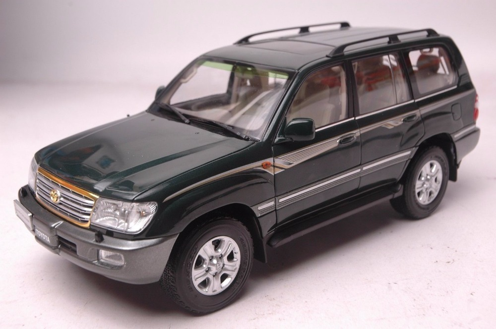 1:18 Diecast Model for Toyota Land Cruiser LC100 2009 Green SUV Alloy Toy Car Miniature Collection Gift hot green 2010 1 18 new toyota land cruiser prado diecast model cars classic jeep suv classic