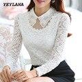 YEYELANA Mujeres blusas Nueva Primavera 2017 blusa casual Elegante collar de Peter Pan de Manga Larga de Encaje Blanco de Lana Blusa A014