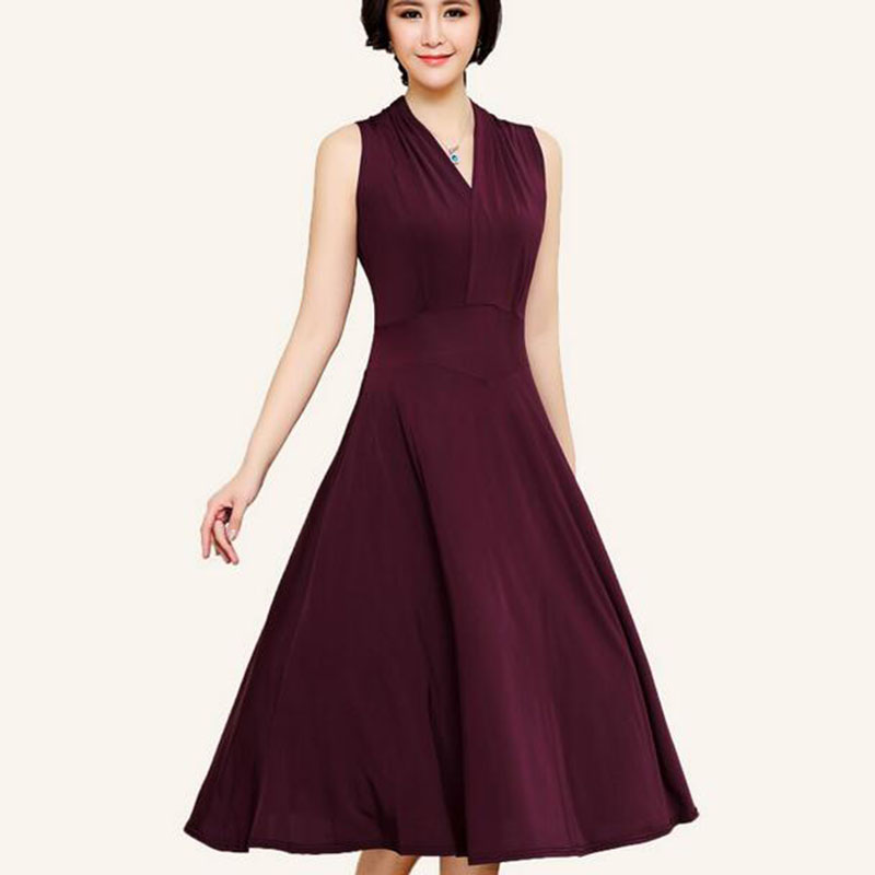 304da5ab79a3 Middle And Old Women Dress Summer Nice New Large Size Mother Loaded  Sleeveless Long Dress Loose V Neck Solid Color Dress LU182-in Dresses from  Women's ...