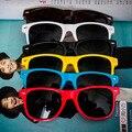 2016 Hot Retro Homens De Plástico Óculos de Sol Colorido Espelho Uv400 Óculos Homem Óculos De Sol Das Mulheres Do Vintage Verão