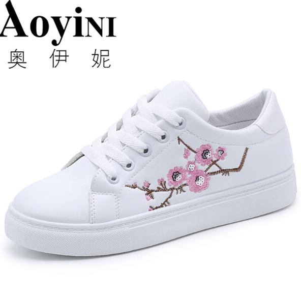 2018 Spring Autumn Women Beautiful Embroidery Flower Shoes Waterproof Platform Flats Lace Up Leisure Shoe Female Floral Creepers vintage embroidery women flats chinese floral canvas embroidered shoes national old beijing cloth single dance soft flats