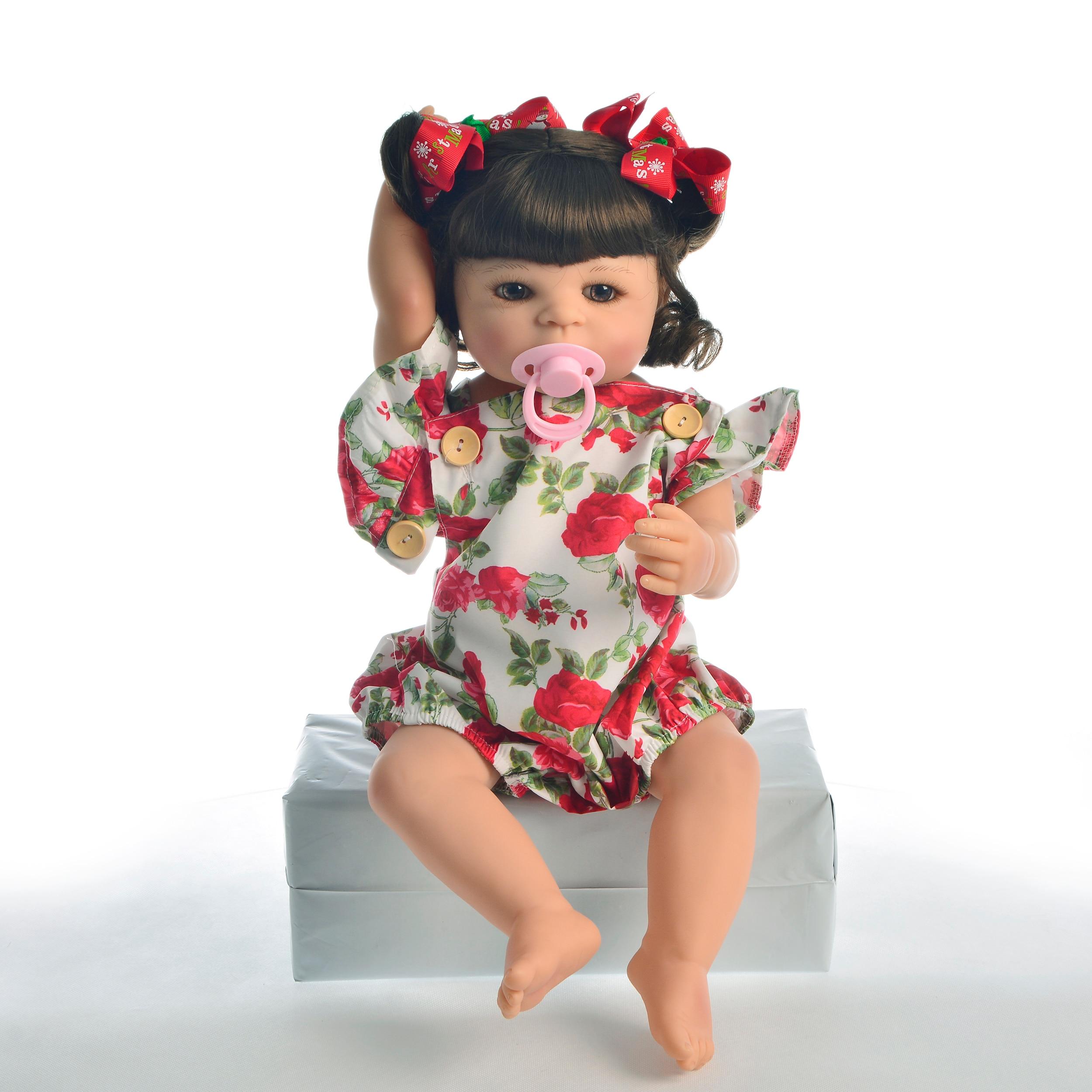 """Oyuncaklar ve Hobi Ürünleri'ten Bebekler'de Sıcak Satış 22 """"55 cm Silikon Tam Vücut Yeniden Doğmuş Bebek Bebek Oyuncak Kız Için Prenses Bebekler Oyuncak Giyim Gül romper Çocuk doğum günü hediyesi'da  Grup 3"""